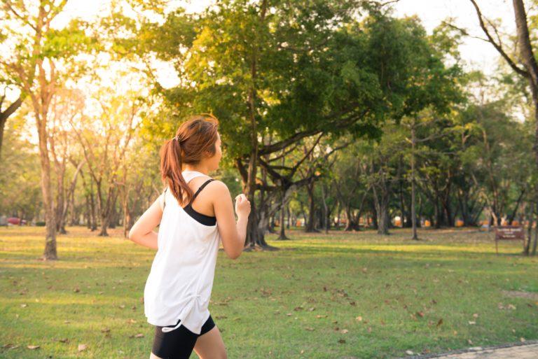 Slow jogging – bezpieczne bieganie dla insulinoopornych