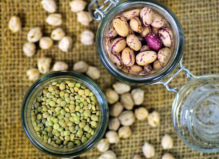 Jak zacząć jeść nasiona strączkowe i co zrobić, aby nie powodowały wzdęć? Czyli nie takie strączki straszne!