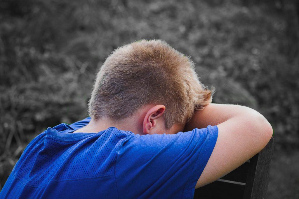 chłopiec z depresją