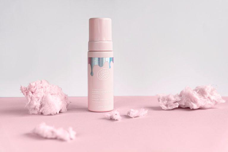 Jakich kosmetyków używać do pielęgnacji twarzy?