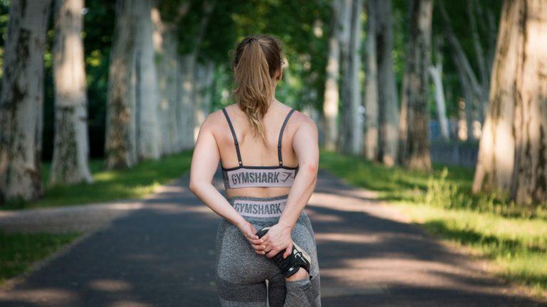 Cykl miesiączkowy a aktywność fizyczna. Jak zaplanować treningi w trakcie cyklu?
