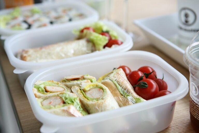 Jak przygotować posiłki na tydzień w jeden wieczór? Domowa dieta pudełkowa dla osób z insulinoopornością